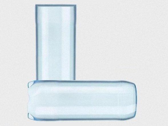 Соединение двух бутылок под прямым углом