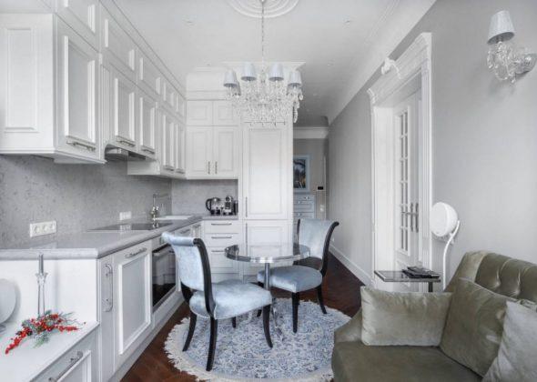 Белая кухня 12 кв. м