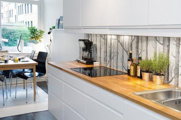 Фартук с деревьями на кухне