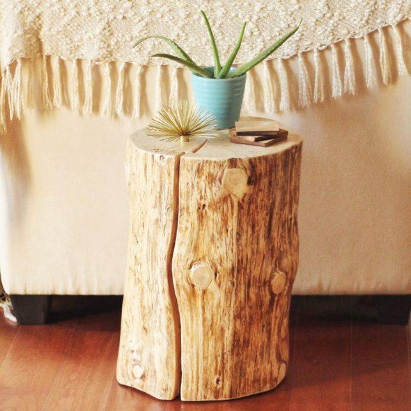 Подставка из деревянной колоды