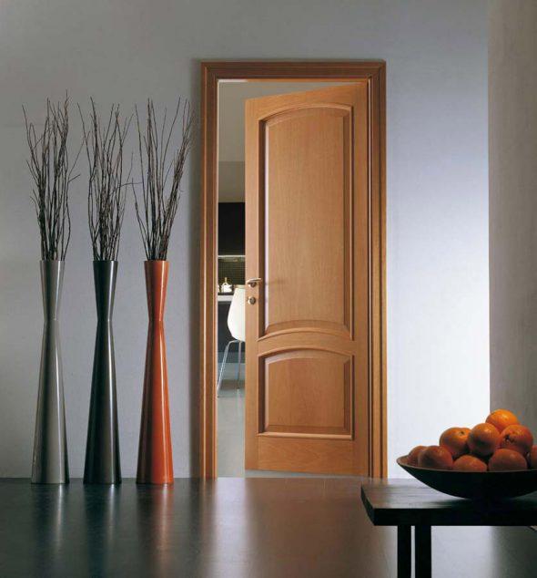 Распашная одностворчатая правая дверь