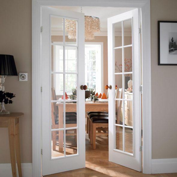 Двустворчатая симметричная распашная дверь