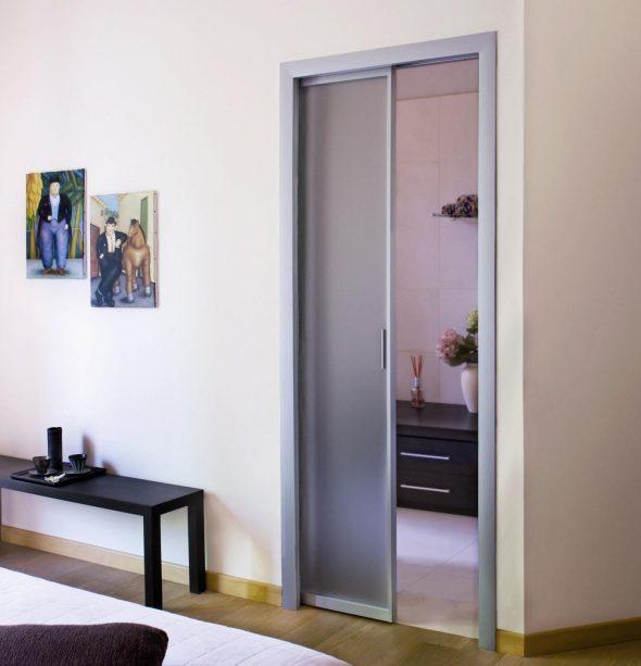 Раздвижная дверь с откатом внутрь стены в пенал