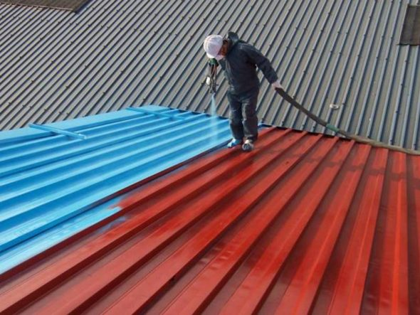 Обработка крыши жидкой резиной