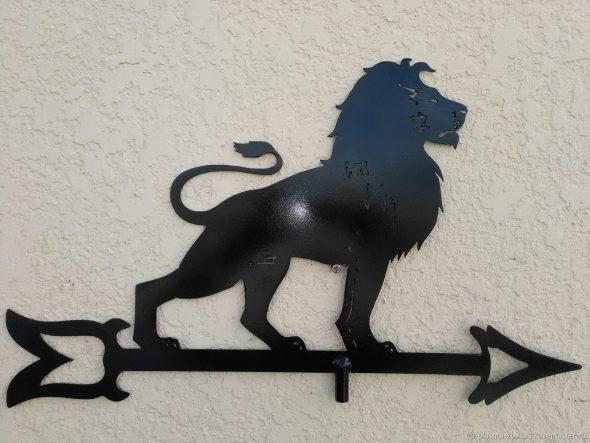 флюгер лев