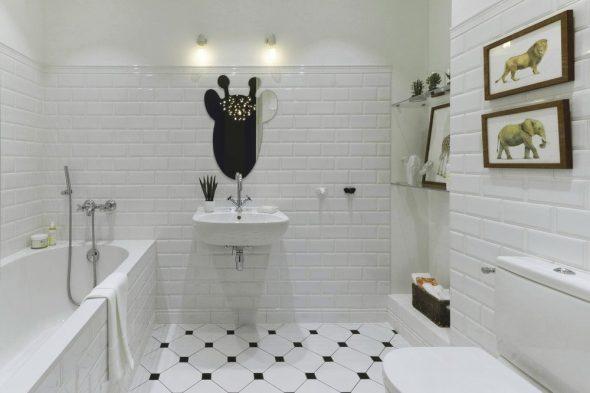 Интерьер ванной комнаты в белых тонах
