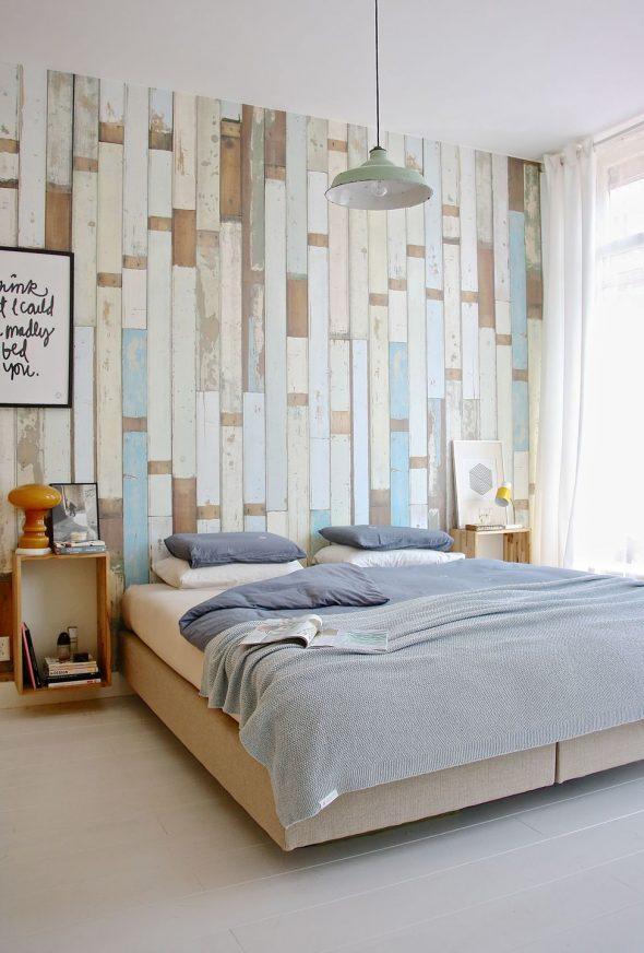 крашеные доски в спальне