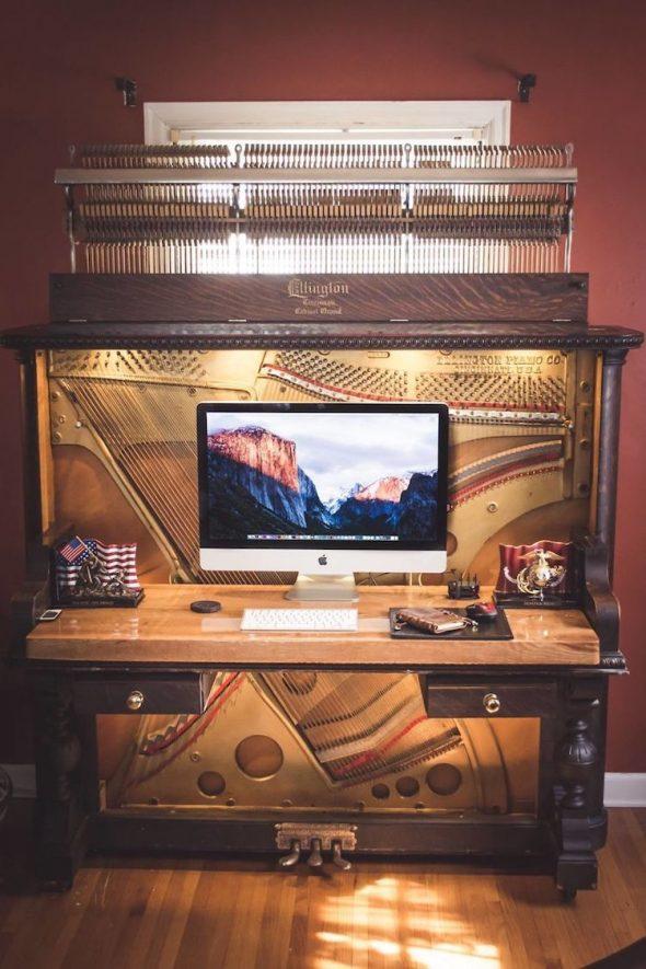 Вариант переделки пианино в стол