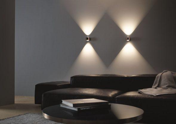 Декоративные светильники над диваном