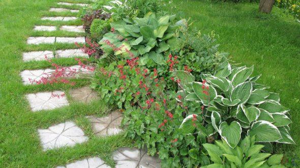 Плиточный дизайн садовой дорожки