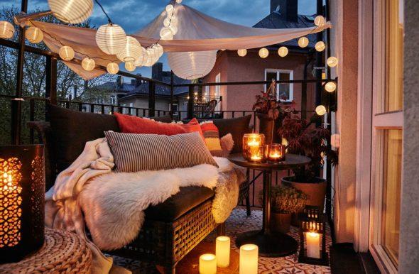 Оформление балкона свечками и гирляндами
