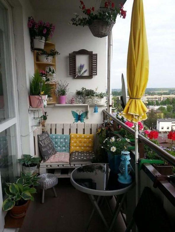 Стилизованное оформление балкона