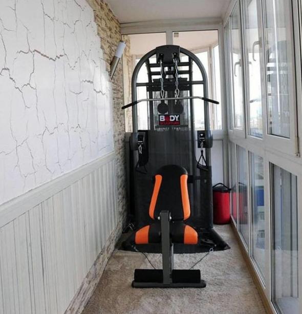 Силовой тренажёр на балконе