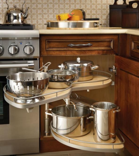 Угловой стол для хранения посуды