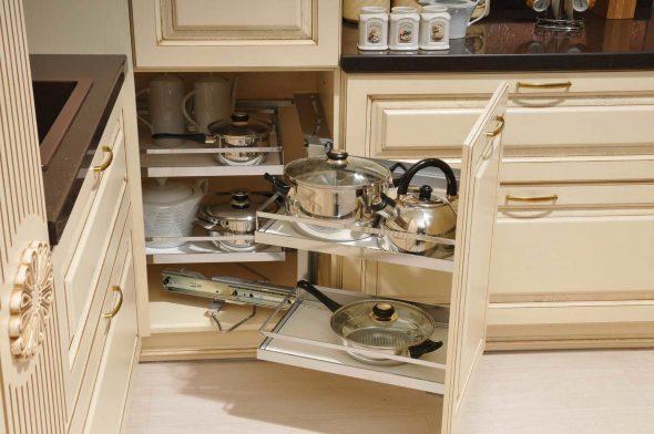 Выкатывающийся стол для посуды