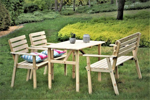 Деревянный набор садовой мебели