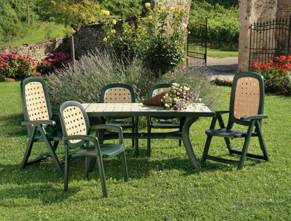 Комплект садовой пластиковой мебели