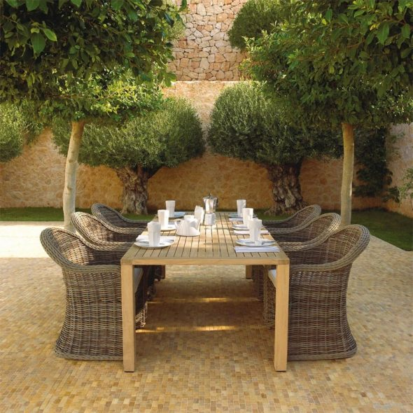 Мебель для красоты сада