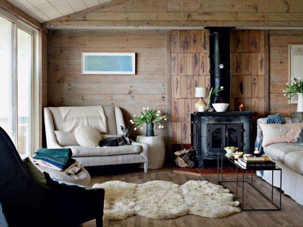 Интерьер в скандинавском стиле в деревянном доме