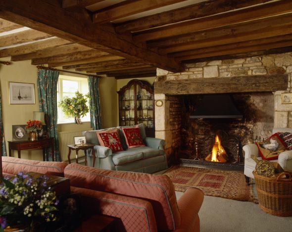 Каминная комната в стиле Кантри