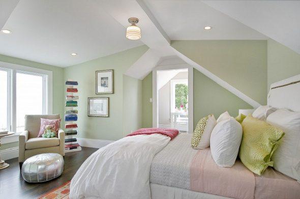 Спальня в светло-зелёных тонах