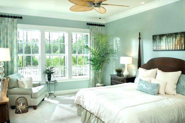 Яркая зелёная спальня