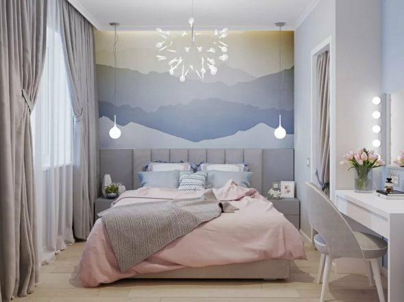 Стильная спальня с розовым и голубым цветами