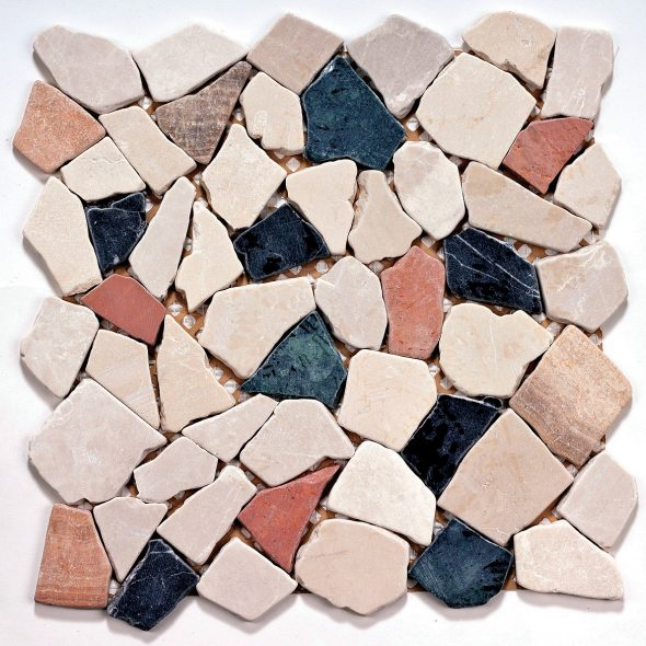 Мозаика из камней разной формы и текстуры