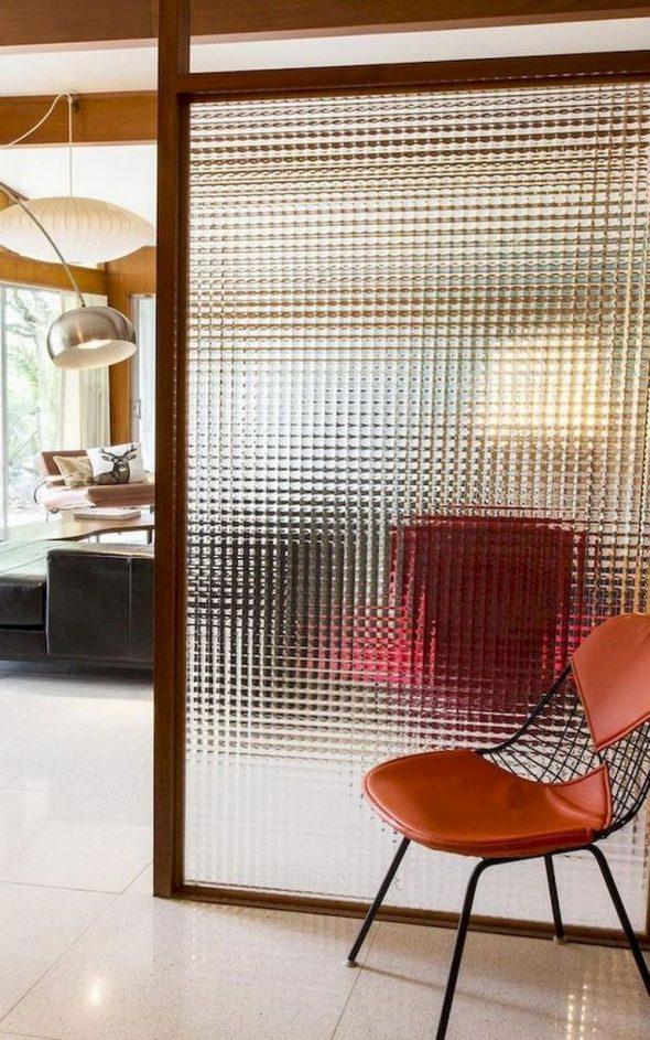 Декоративная перегородка из стекла