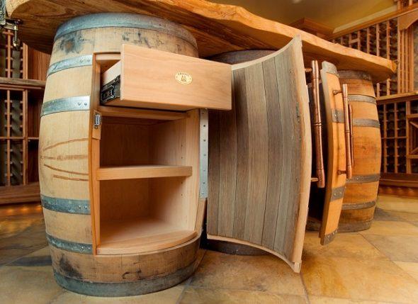 Письменный стол из бочек