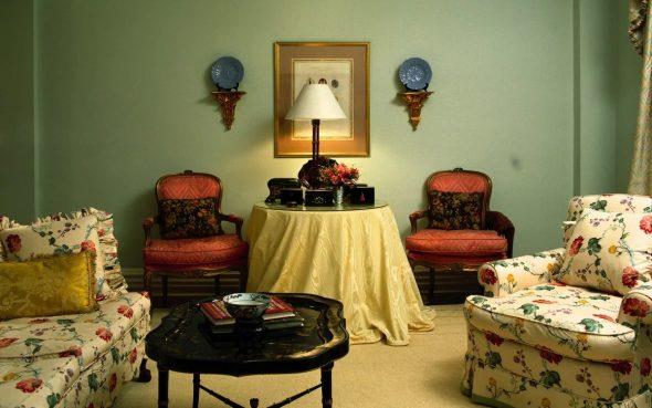 Стиль ретро в интерьере гостиной