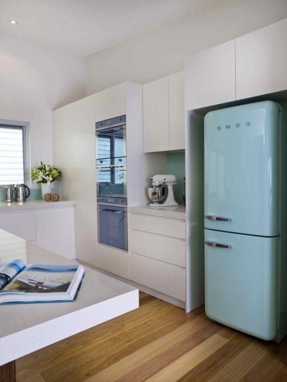 как обставить кухню 6 квадратов с холодильником