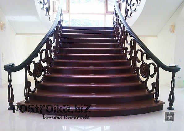 Деревянные перила для лестниц: красота и безопасность