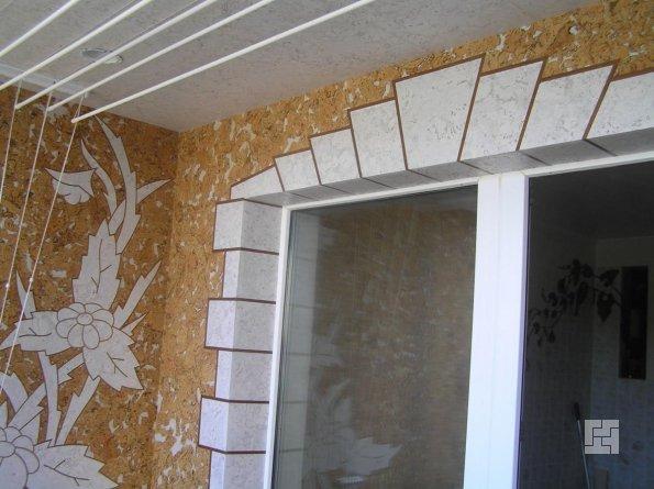 Оригинальная отделка стены пробкой