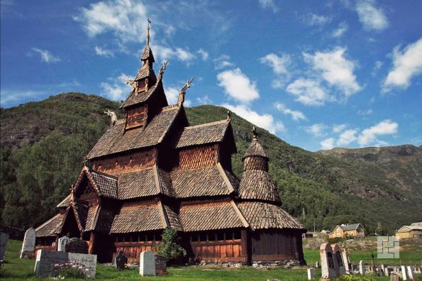 Самая древняя ставкирка Норвегии - деревянная церковь в норвежском местечке Урнесе