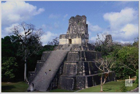 Пирамида древних индейцев майя