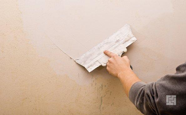 шпалевка стен крупным шпателем
