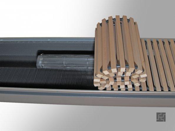 элегантная решетка, скрывающая радиатор