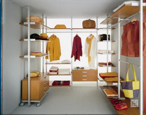 гардеробная комната открытого типа
