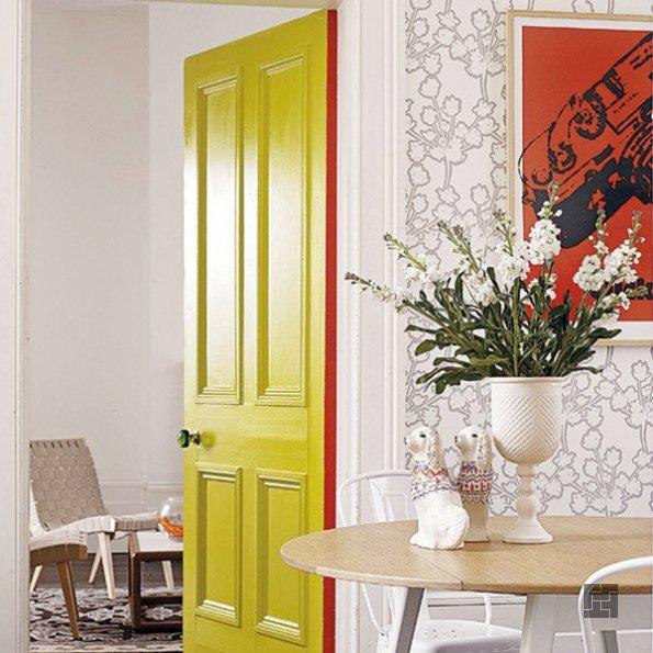 Окраска двери при реставрации