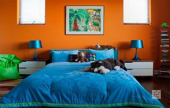 оранжевый и синий