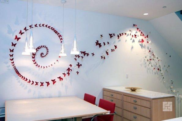 Бабочки на стене в виде спирали по всей стенке