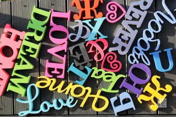Декоративные буквы из пластика