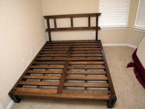 Деревянный каркас кровати