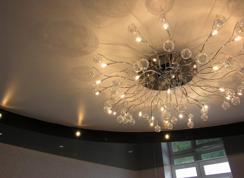 Правила монтажа люстры на подвесной потолок