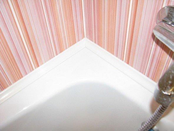 ПВХ-плинтус для ванной