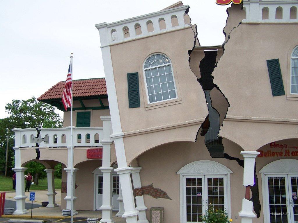 Трещина в стене здания – сигнал тревоги!