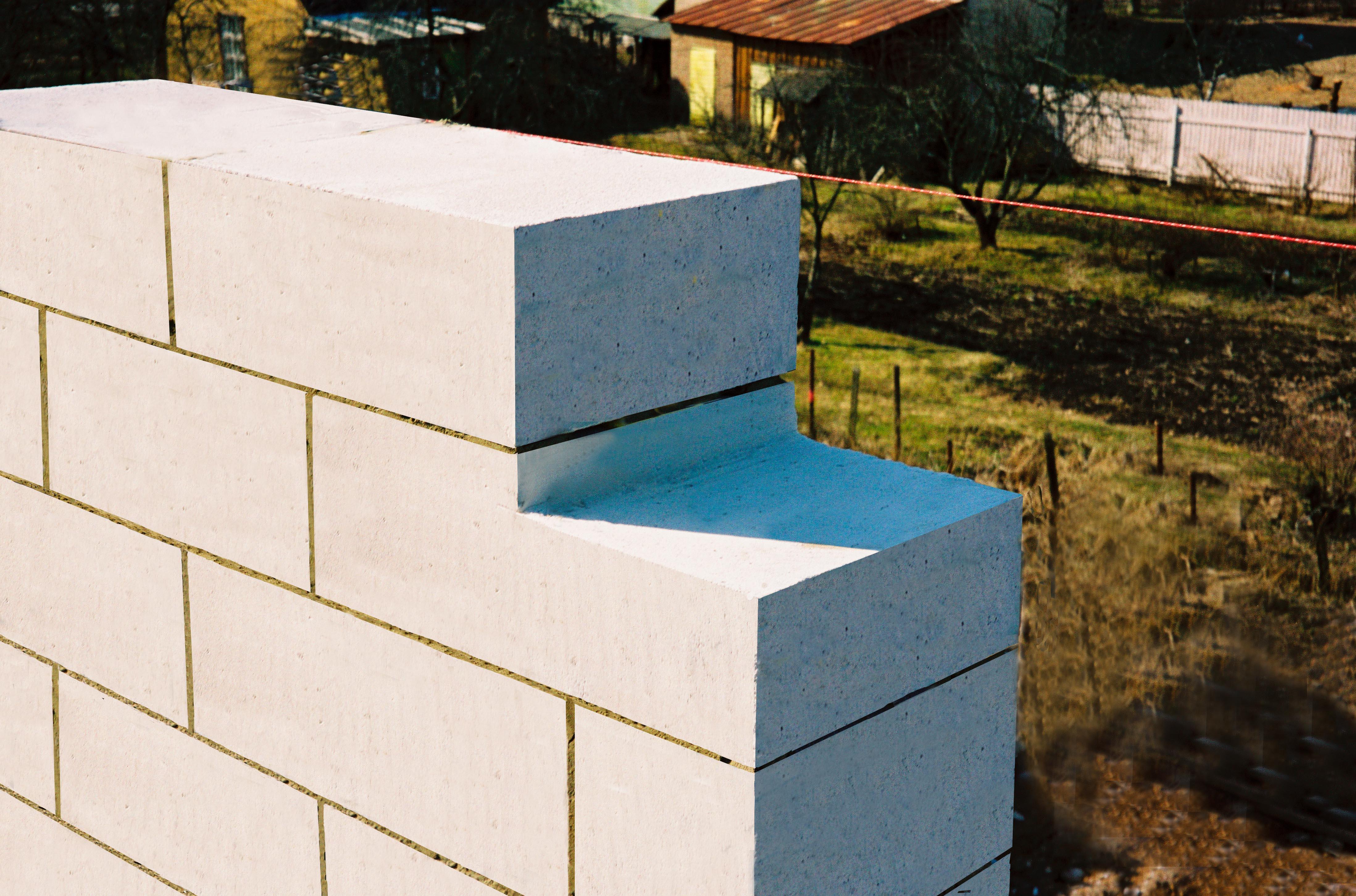 Сколько на самом деле стоят газосиликатные блоки? Недостатки стройматериалов.
