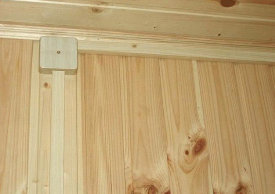 Кабель-канал древесного цвета