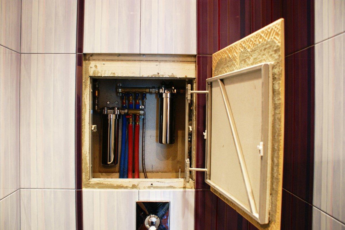 Как спрятать трубы в ванной: способ выбираем сами